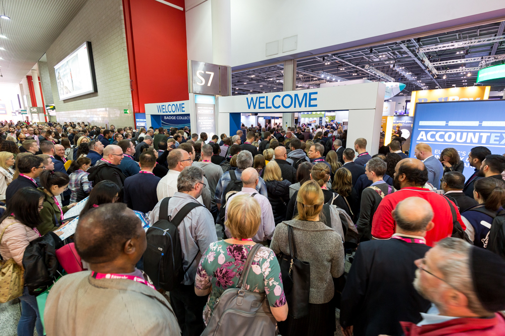 AccountEx19_smashes record